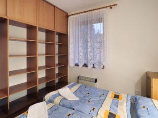 apartmán 4 - police
