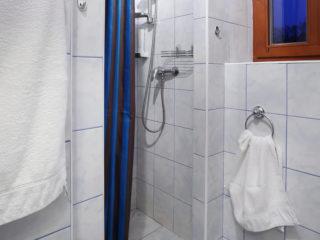 apartmán 4 - sprchový kout