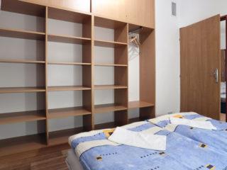 apartmán 3 - police