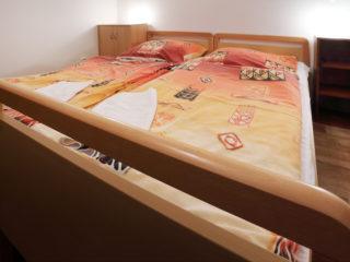 apartmán 2 - ložnice s postelí