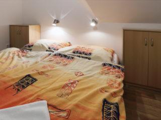 apartmán 5 - postel